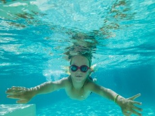 Pass GRAND BO: unbegrenzter Zugang zum Schwimmbad und den Liften
