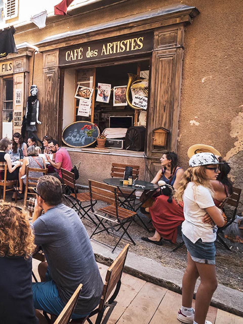 cafe-des-artistes-2-alpcat-medias-web3-224009-224687