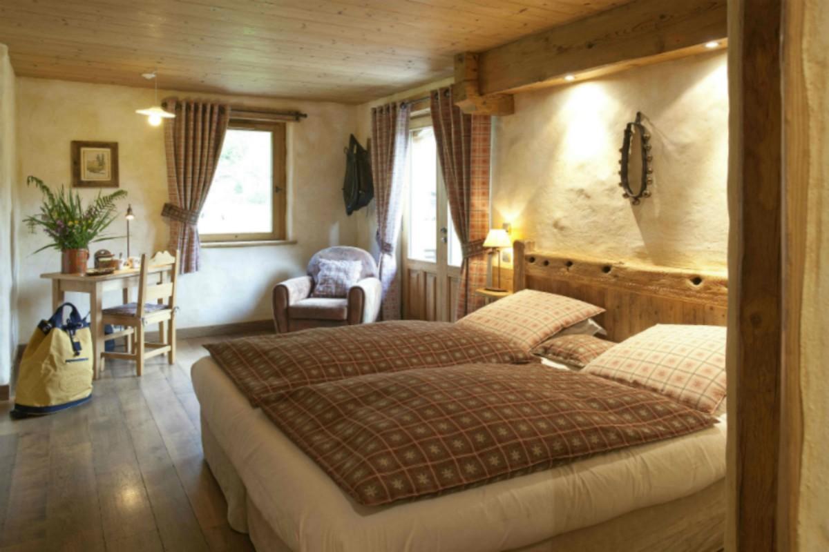 Room 122404-325310