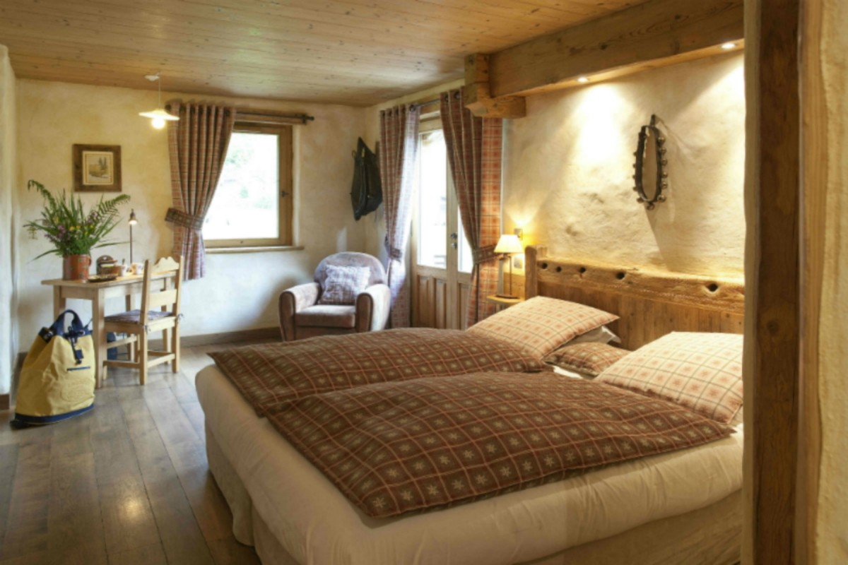 Double or twin bedroom-SéJOUR 'JANVIER ETOILE'