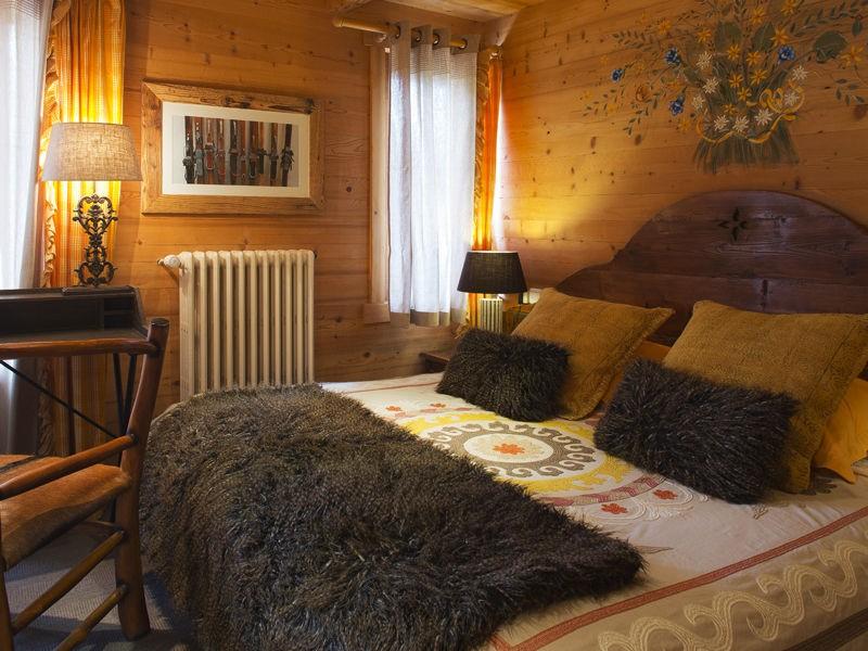 Room 142389-373595