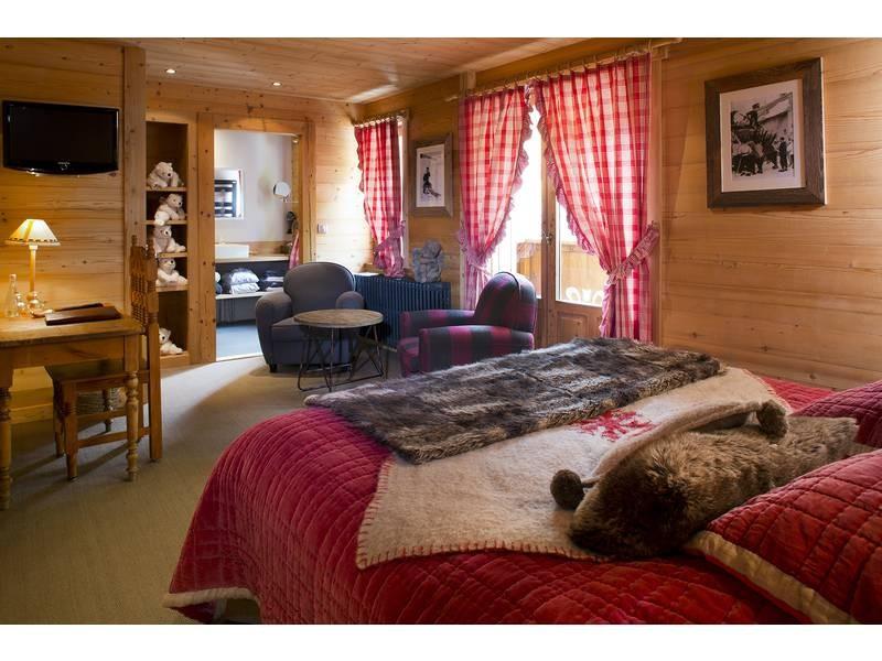 Room 146391-397665