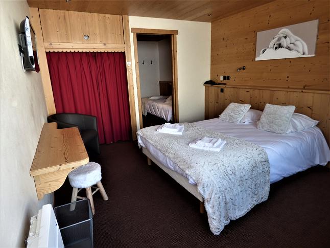Room 196037-534370