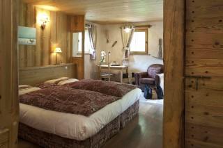 Room 122405-325312