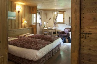 Room 122405-325504