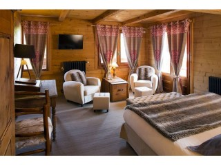 SUITE-SUITE OURS 4 PERS