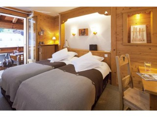 Double room with balcony wihout view-with half-board pension for 2 pers