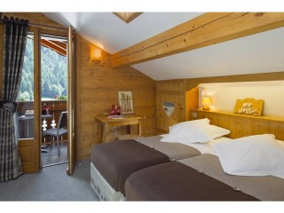 Attic double room with  balcony and mountain view-room