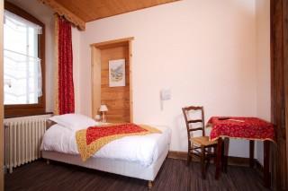 Room 181063-493827