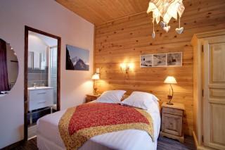 Room 181084-493888