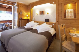 Double room with balcony wihout view-rack rate
