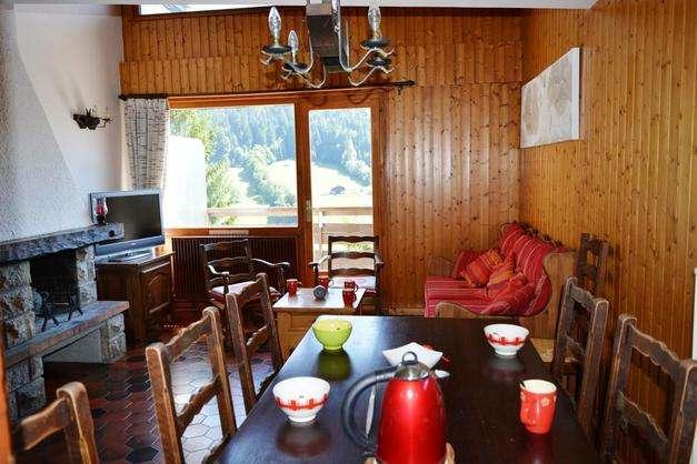 grand-bornand-paquerettes-appartement-sejour3-51686