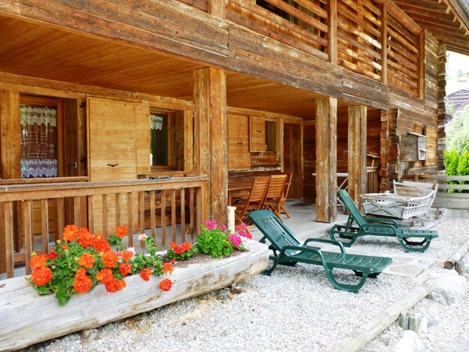 location chalet snowbaur partie basse grand bornand village