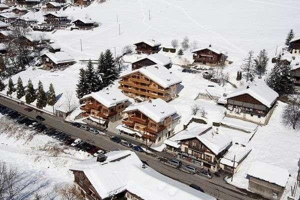 residence-aravis-grand-bornand- village location vacances ski montagne